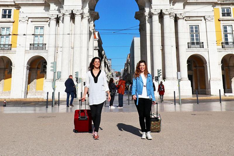Daniela and Rita, Praça do Comércio, Lisboa